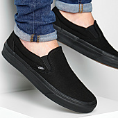 /achat-baskets-basses/vans-baskets-classic-slip-on-eyebka-black-125424.html