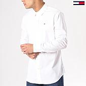 /achat-chemises-manches-longues/tommy-hilfiger-jeans-chemise-manches-longues-tjm-original-stretch-4405-blanc-130499.html