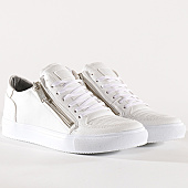 /achat-baskets-basses/classic-series-baskets-740-blanc-131610.html
