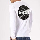 /achat-t-shirts-manches-longues/nasa-tee-shirt-manches-longues-insignia-desaturate-blanc-133653.html