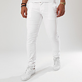/achat-chinos/black-needle-pantalon-chino-1012-blanc-143057.html