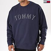 /achat-sweats-col-rond-crewneck/tommy-hilfiger-jeans-sweat-crewneck-outline-logo-4463-bleu-marine-144511.html