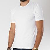 /achat-t-shirts/celio-tee-shirt-tebasic-blanc-146434.html