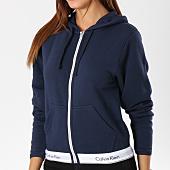 /achat-sweats-zippes-capuche/calvin-klein-sweat-zippe-capuche-femme-qs5667e-bleu-marine-blanc-147012.html