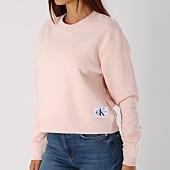 /achat-sweats-col-rond-crewneck/calvin-klein-sweat-crewneck-femme-monogram-badge-8562-rose-147900.html