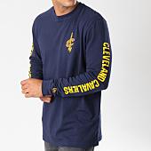 /achat-t-shirts-manches-longues/new-era-tee-shirt-manches-longues-team-apparel-cleveland-cavaliers-11604114-bleu-marine-jaune-147873.html