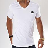 /achat-t-shirts/antony-morato-tee-shirt-mmks01416-blanc-148005.html