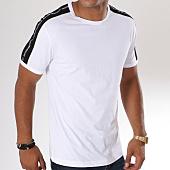 /achat-t-shirts/antony-morato-tee-shirt-avec-bandes-mmks01360-blanc-148011.html