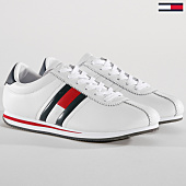 /achat-baskets-basses/tommy-jeans-baskets-retro-flag-em0em00182-white-148784.html