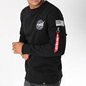 /achat-sweats-col-rond-crewneck/alpha-industries-sweat-crewneck-avec-poche-bomber-nasa-space-shuttle-noir-150352.html