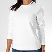 /achat-sweats-col-rond-crewneck/calvin-klein-sweat-crewneck-femme-embroidered-8498-blanc-151335.html