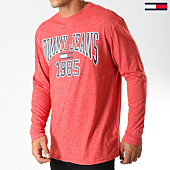 /achat-t-shirts-manches-longues/tommy-hilfiger-jeans-tee-shirt-manches-longues-collegiate-5330-rouge-chine-152820.html