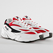 /achat-baskets-basses/fila-baskets-femme-venom-low-1010291-150-white-navy-red-158692.html