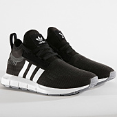 /achat-baskets-basses/adidas-baskets-swift-run-barrier-b37701-core-black-footwear-white-grey-159889.html