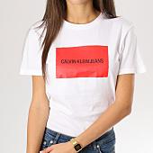 /achat-t-shirts/calvin-klein-tee-shirt-femme-institutional-box-slim-blanc-rouge-160379.html
