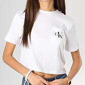 /achat-t-shirts-poche/calvin-klein-tee-shirt-crop-femme-avec-poche-monogram-blanc-160392.html
