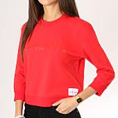 /achat-sweats-col-rond-crewneck/calvin-klein-sweat-crewneck-femme-boxy-satin-bonded-rouge-160396.html