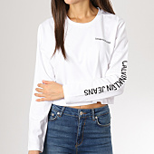 /achat-t-shirts-manches-longues/calvin-klein-tee-shirt-crop-manches-longues-femme-sleeve-institutional-blanc-160399.html