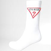 /achat-chaussettes/guess-paire-de-chaussettes-u84y17zz001-blanc-160576.html