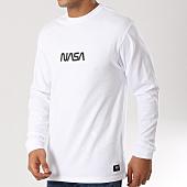 /achat-t-shirts-manches-longues/vans-tee-shirt-manches-longues-space-nasa-a3j2j-blanc-160720.html
