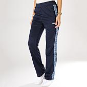 /achat-pantalons-joggings/fila-pantalon-jogging-femme-bande-brodee-thora-bleu-marine-160785.html