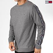 /achat-sweats-col-rond-crewneck/tommy-hilfiger-jeans-sweat-crewneck-avec-bandes-0705-gris-chine-161755.html