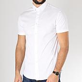 /achat-chemises-manches-courtes/celio-chemise-manches-courtes-daslim-blanc-163305.html