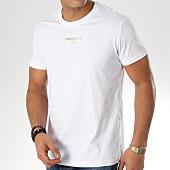 /achat-t-shirts/versace-jeans-tee-shirt-print-57-foil-b3gta76t-blanc-dore-163780.html