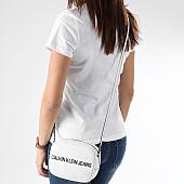 /achat-sacs-sacoches/calvin-klein--sacoche-femme-sculpted-logo-camera-5247-blanc-165996.html