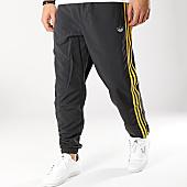 /achat-pantalons-joggings/adidas-pantalon-jogging-bandes-brodees-3-stripes-dv3142-noir-jaune-166139.html