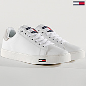 /achat-baskets-basses/tommy-hilfiger-jeans-baskets-essential-em0em00274-100-white-167088.html