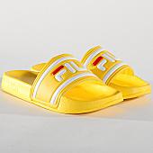 /achat-claquettes-sandales/fila-claquettes-femme-morro-bay-slipper-1010340-60k-empire-yellow-167608.html