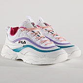 /achat-baskets-basses/fila-baskets-femme-ray-low-1010562-03a-white-very-berry-caribbean-sea-167661.html
