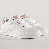 /achat-baskets-basses/fila-baskets-femme-crosscourt-2-low-1010632-white-chalk-pink-167712.html