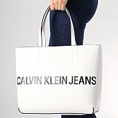 /achat-sacs-sacoches/calvin-klein-sac-a-main-sculpted-logo-5246-blanc-168226.html