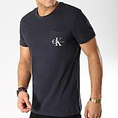 /achat-t-shirts-poche/calvin-klein-tee-shirt-poche-monogram-pocket-slim-1023-bleu-marine-168722.html