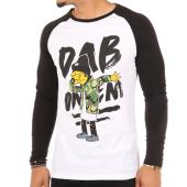/achat-t-shirts-manches-longues/thug-n-swag-tee-shirt-manches-longues-dab-blanc-noir-105607.html