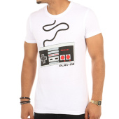 /achat-t-shirts/nintendo-tee-shirt-controller-blanc-114638.html