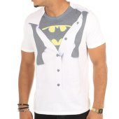 /achat-t-shirts/dc-comics-tee-shirt-batman-suit-blanc-116914.html