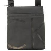 /achat-sacs-sacoches/calvin-klein-sacoche-raised-logo-flat-crossover-3688-noir-128491.html