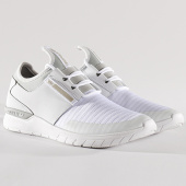 /achat-baskets-basses/supra-baskets-flow-run-08021-124-white-light-grey-128795.html
