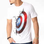 /achat-t-shirts/marvel-tee-shirt-captain-america-shield-on-wall-blanc-129850.html