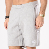 /achat-shorts-jogging/adidas-short-jogging-bandes-brodees-3-stripes-cy4570-gris-chine-130705.html