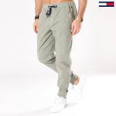 /achat-jogger-pants/tommy-hilfiger-jeans-jogger-pant-tjm-relax-dobby-4215-vert-kaki-131199.html
