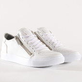 /achat-baskets-basses/classic-series-baskets-740-blanc-131610.html