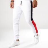 /achat-pantalons-joggings/lbo-pantalon-jogging-poly-413-blanc-bandes-bleu-marine-et-rouge-133479.html