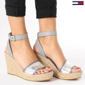 /achat-chaussures/tommy-hilfiger-jeans-chaussures-femme-metallic-wedge-en0en00236-000-silver-136207.html