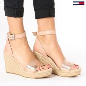https://www.laboutiqueofficielle.com/achat-chaussures/chaussures-femme-metallic-wedge-en0en00236-638-rose-gold-136209.html