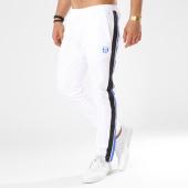 /achat-pantalons-joggings/sergio-tacchini-pantalon-jogging-bandes-brodees-zaroon-blanc-noir-bleu-roi-137428.html