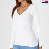 https://www.laboutiqueofficielle.com/achat-t-shirts-manches-longues/tee-shirt-manches-longues-femme-original-rib-henley-4436-blanc-138300.html